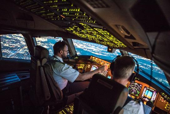 Flight Tracker Software - Imaginet Custom Software Solution - airplane pilots